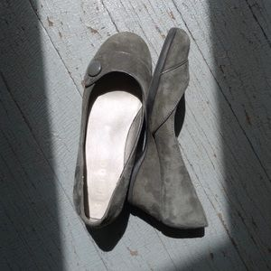 Suede wedges size 6 Me Too
